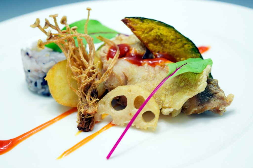 『今月のフレンチ』 チキンと根菜のフリット ソレイユ風