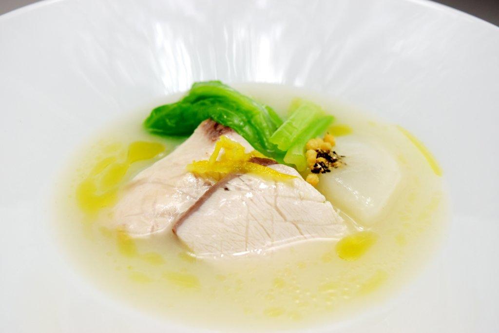 新メニュー『今月の魚料理』 本日の魚と蕪のすり流し風ポタージュ